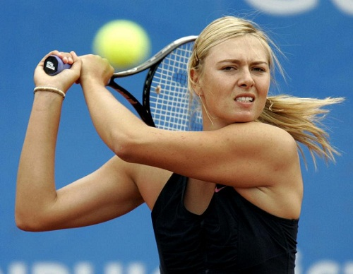 maria_sharapova_playing_tennis_instanbul_cup_1
