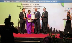 Photo_BWCCI President receiving the special award